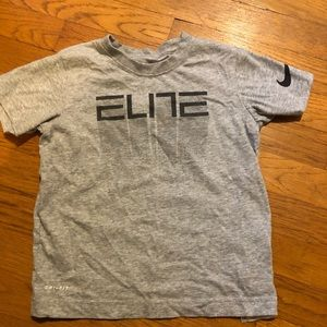 Nike boys size 5-6 Elite T-shirt